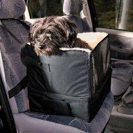 Auton penkki koiralle